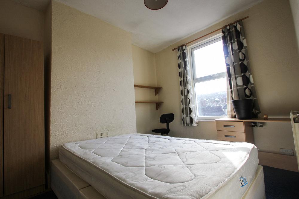 IMG_8345_edited.jpg bed room best.jpg