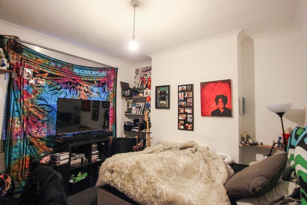 IMG_9676_edited.jpg bedroom 1.jpg