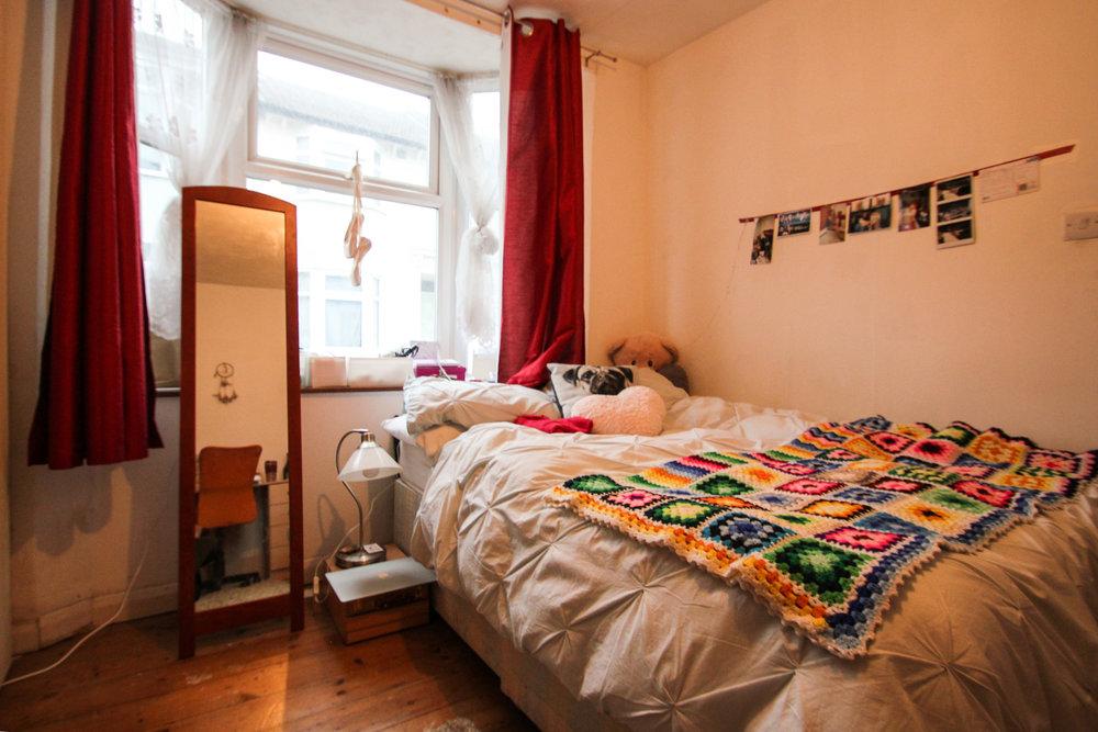 IMG_9529_edited.jpg bedroom 1.jpg