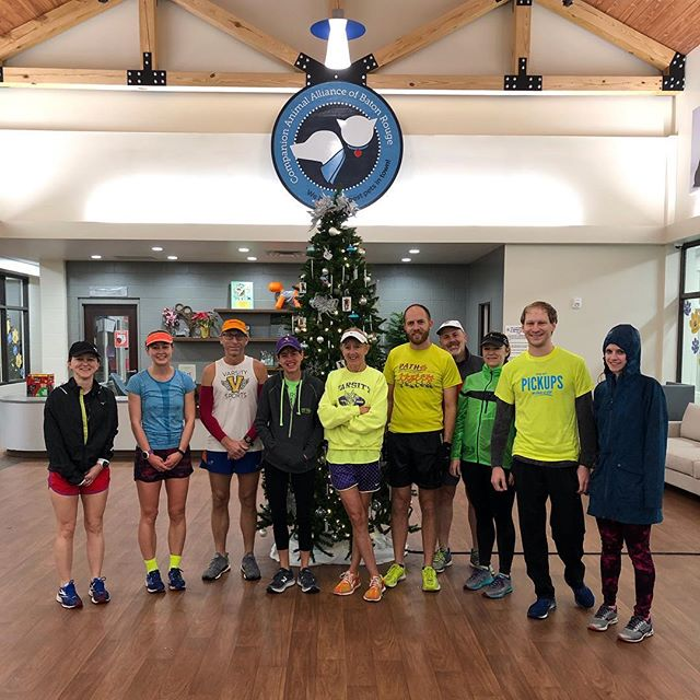 Thank you @varsitysportsla runners for coming out in the rain today! 🏃‍♀️🏃‍♂️