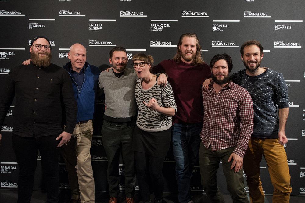 Justin Stoneham (3. v.r.) und Produzent Kaleo La Belle (2. v.r.) bei der Nacht der Nominationen in Winterthur (Bekanntgabe Nomination für den Schweizer Filmpreis).