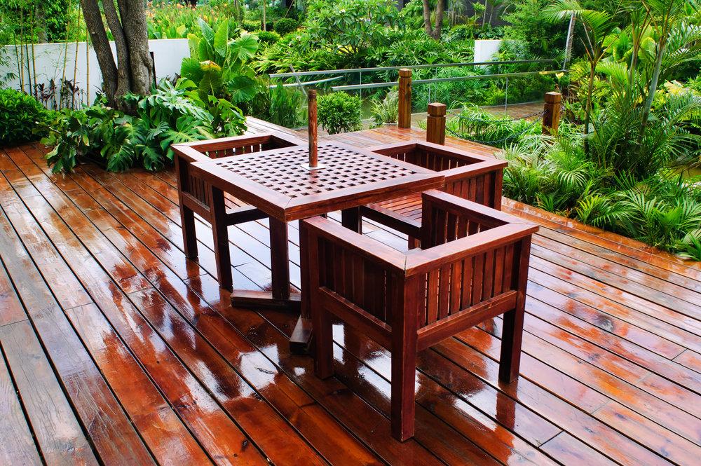 Terrasse_été_pluie.jpg