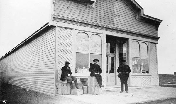 I. G. Baker and Co. store, Lethbridge.   Courtesy the Galt Museum & Archives: 19891046021-022