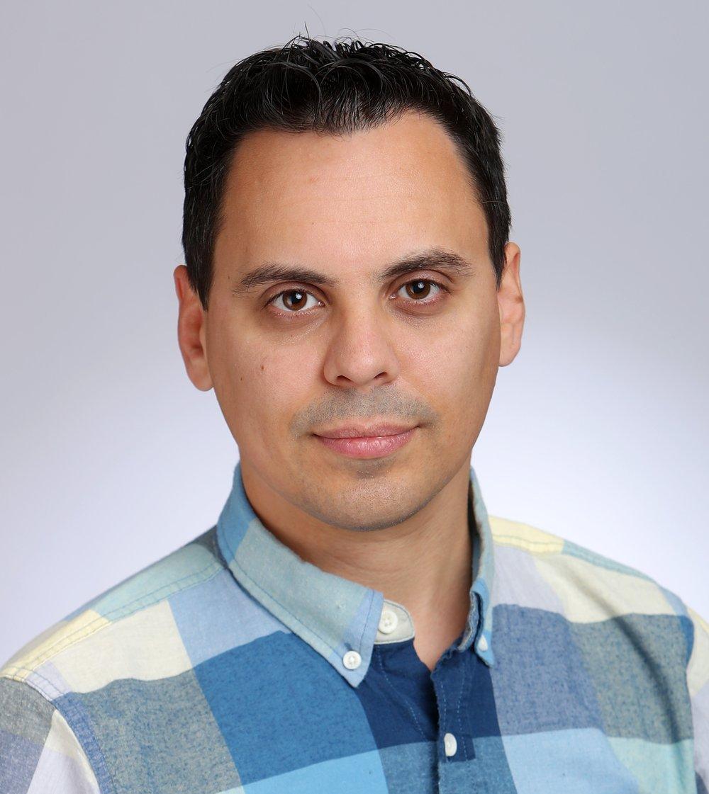 Dr+Medeiros_researcher.jpg