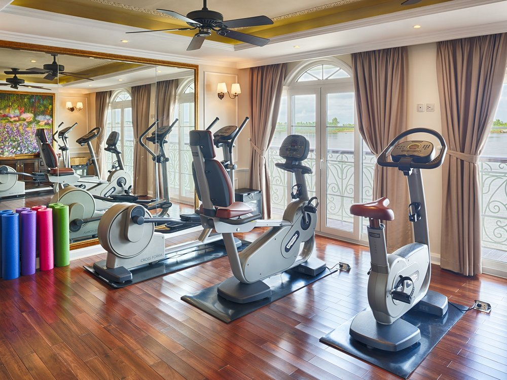 La Vie : La Vie fitness centre has the most advanced fitness equipment and features a luxurious spa that allows guests to travel in full relaxation mode.