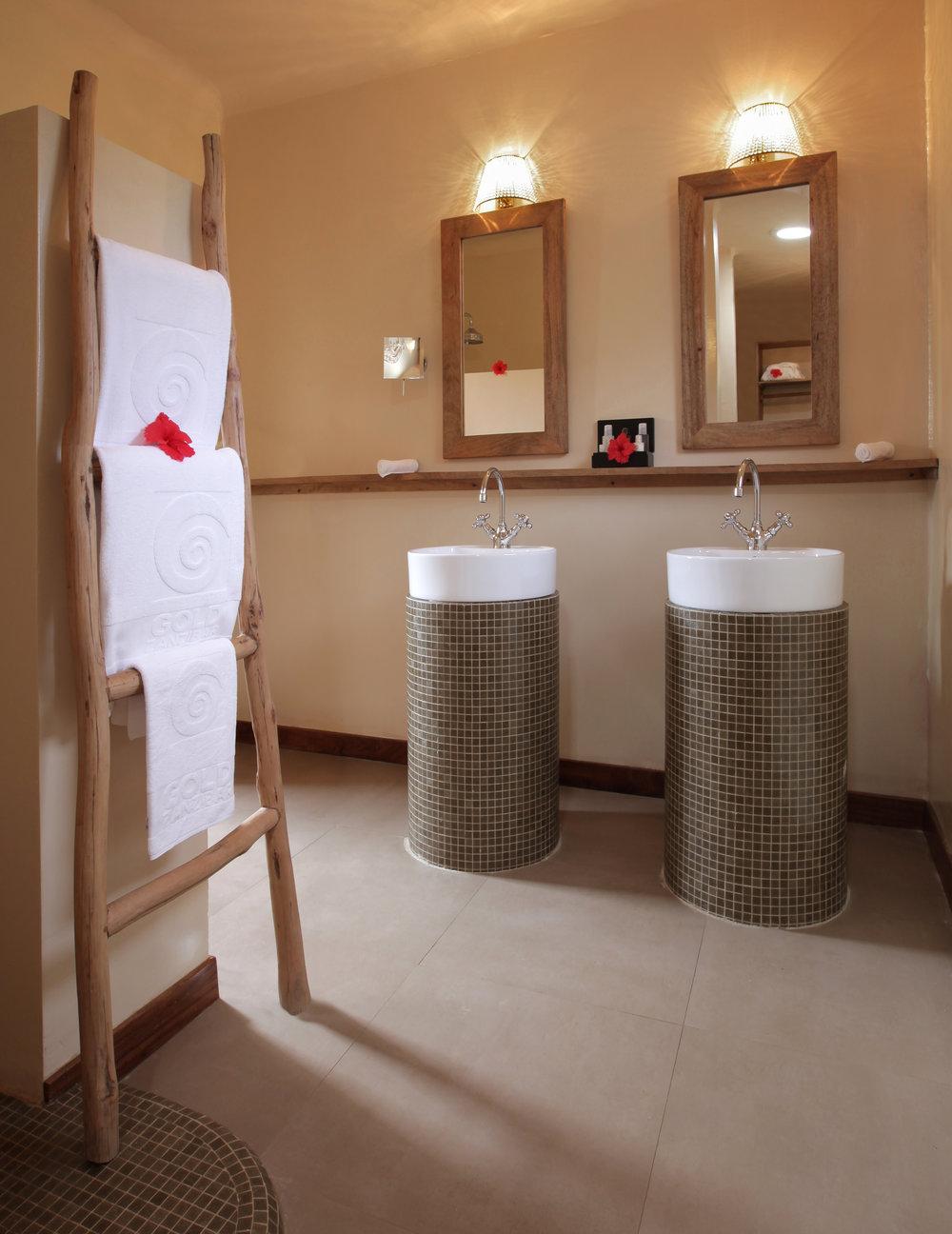 Beach Suite bathroom.jpg