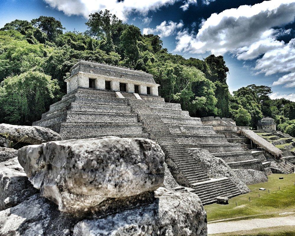 pyramid-1649598_1920.jpg