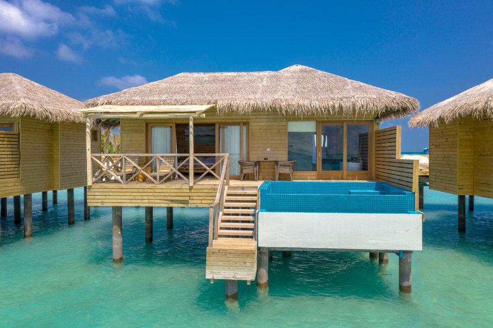 Aqua Suite with Pool(4).jpg