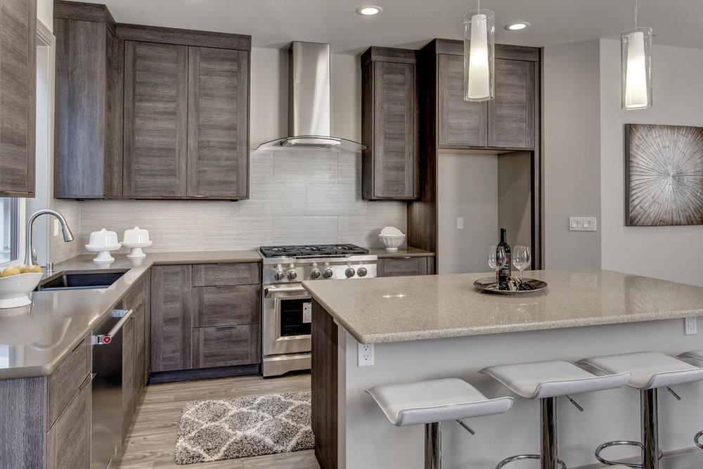 Kitchen04internet.jpg