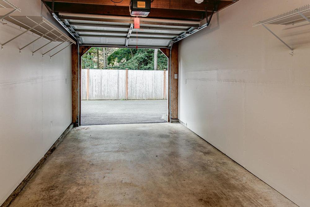 Garage01internet.jpg