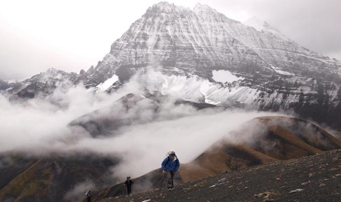 Pyramid Peak with backpacking hikers.jpg