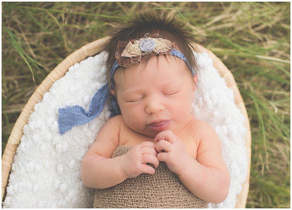 Phoenix-Outdoor-Lifestyle-Newborn-session-Sweetlife-Photography_0010.jpg