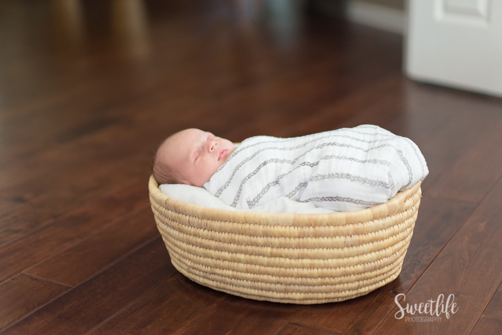 At-home family newborn photographer | Sweetlife Photography