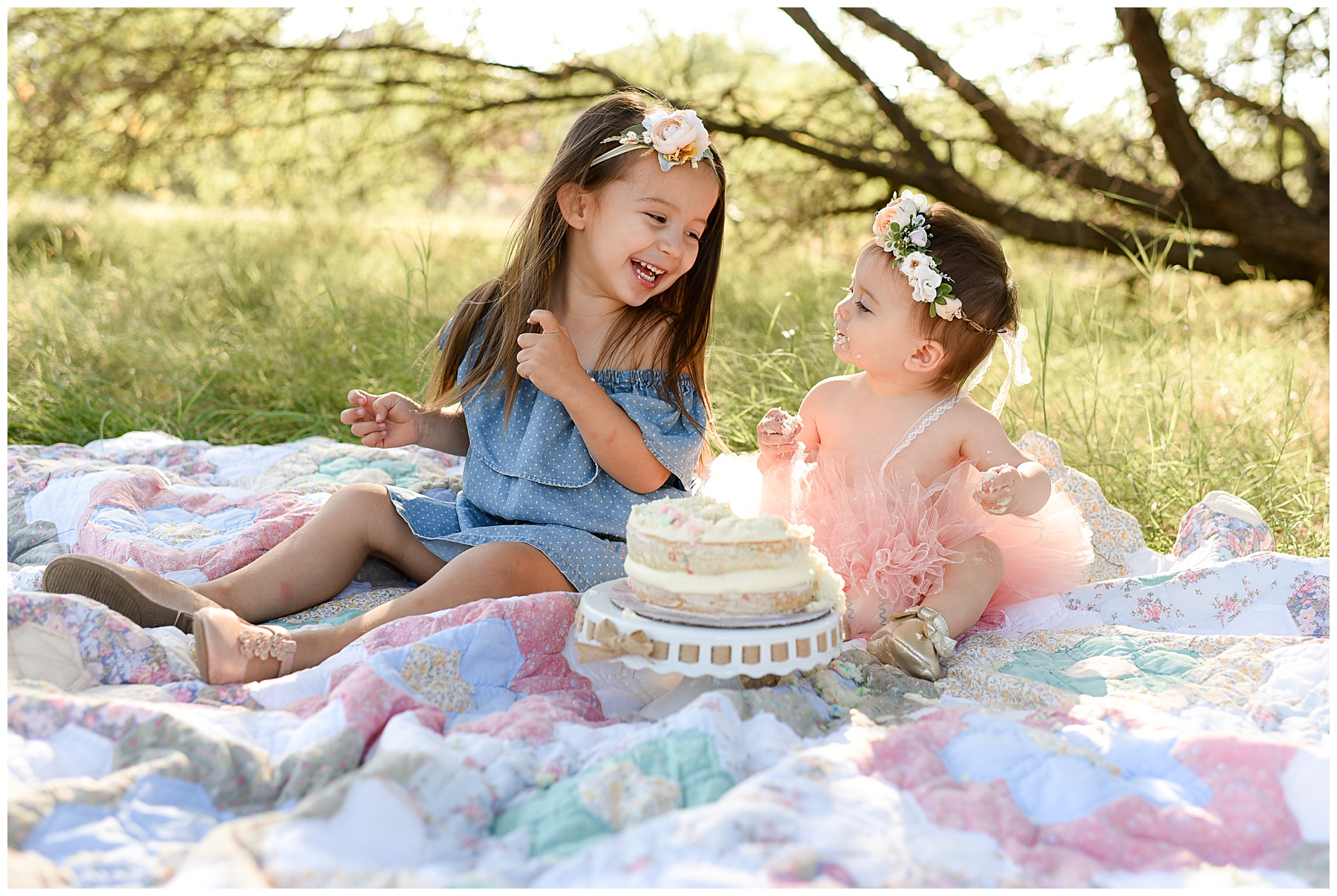Giggling Sisters | SweetLife photography