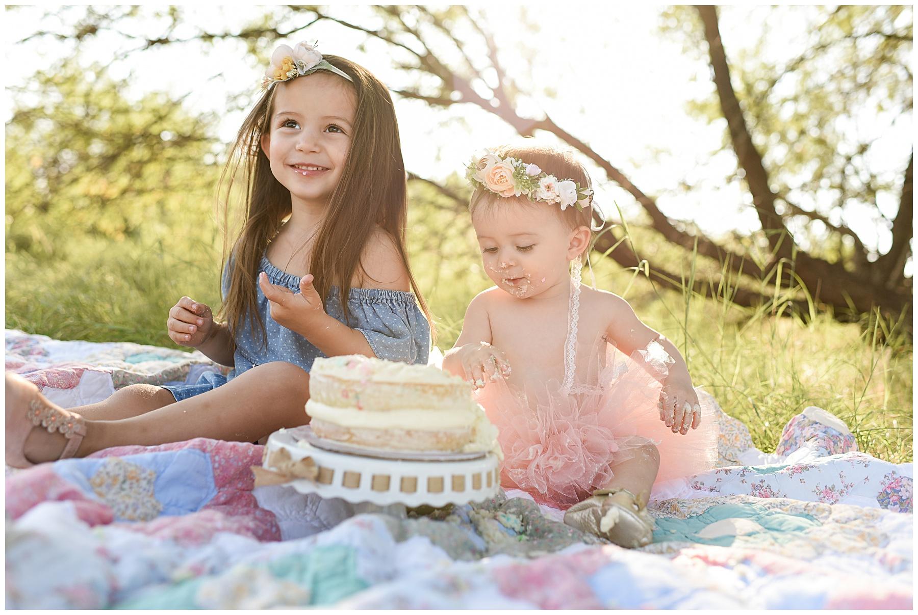 Sister Cake Smash photographer | SweetLife Photography