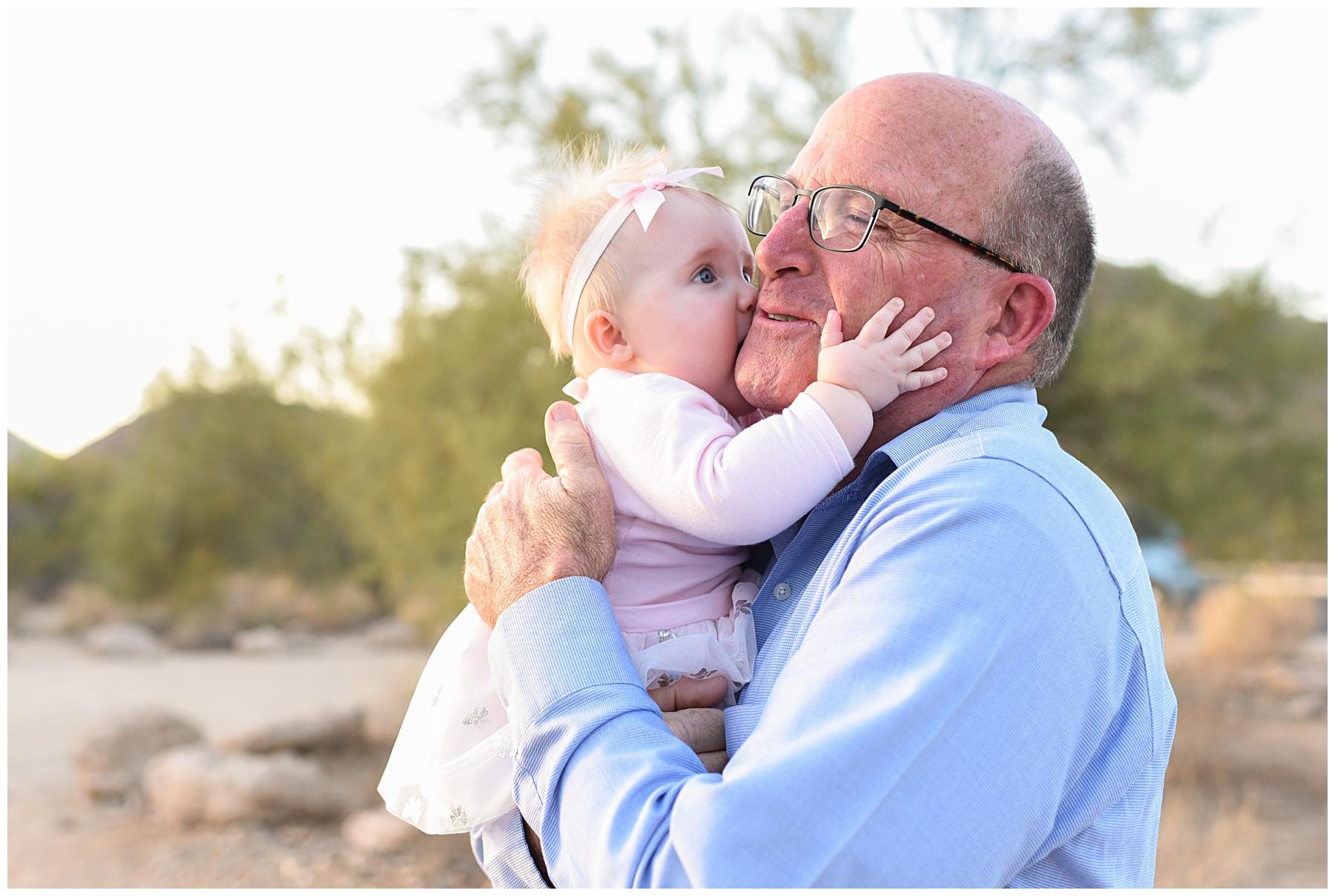 Grandpa kiss | Sweetlife Photography