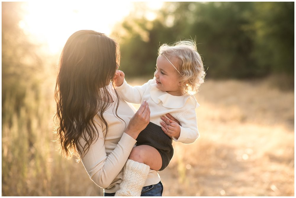 Sharing a snack mother daughter golden hour photo | SweetLife Photography