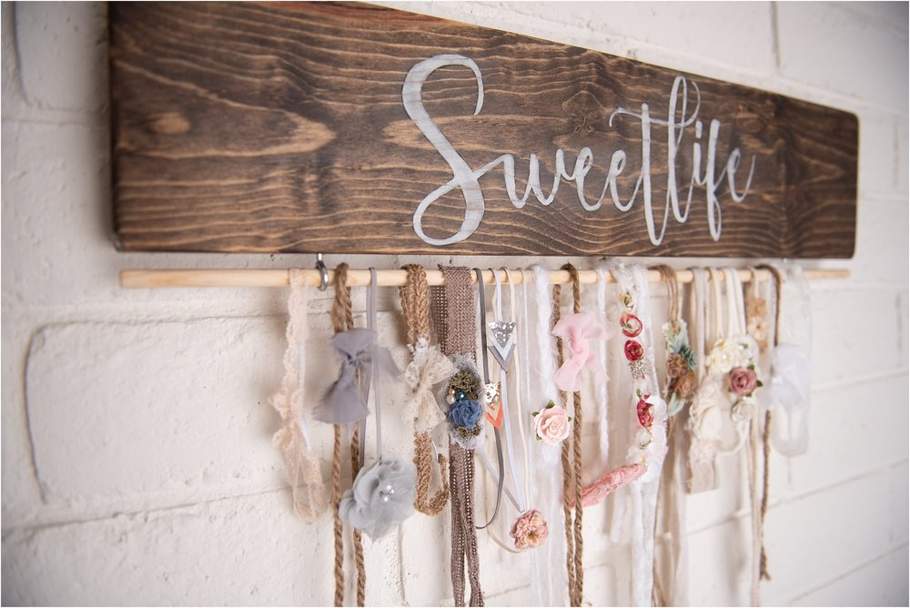 SweetLife-Photography-Studio-North-Phoenix-Neutral-Newborn-studio-SweetLife-Photography-www.sweetlife-photography.com_0001.jpg