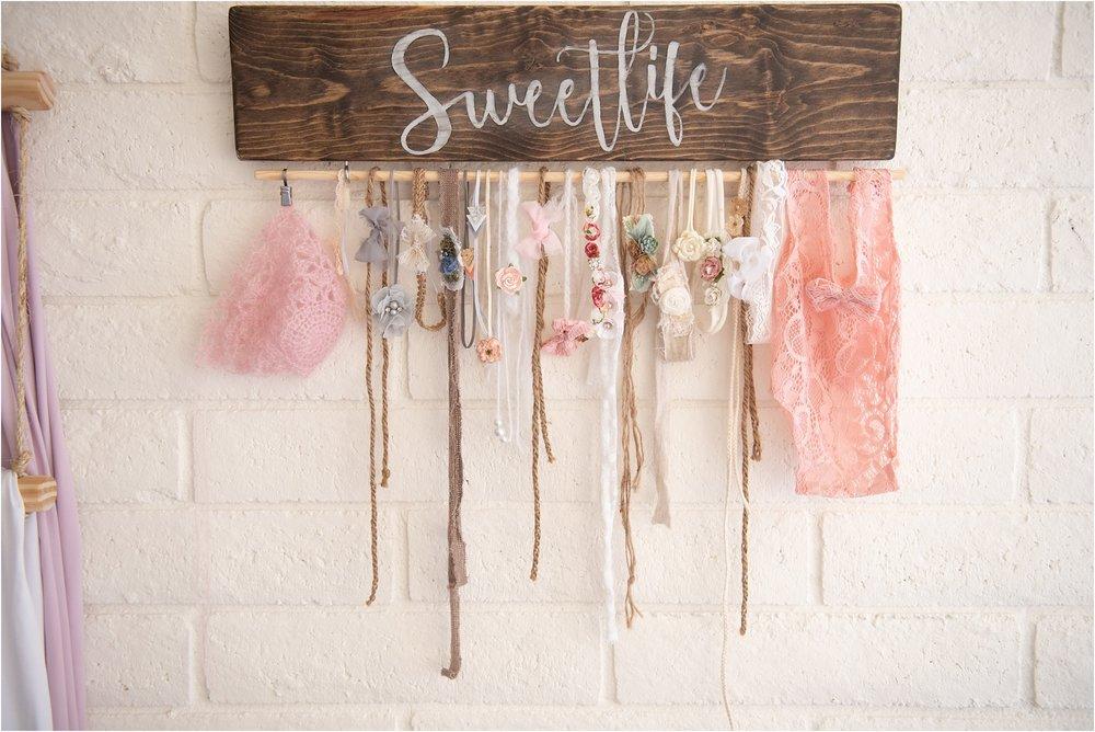 SweetLife-Photography-Studio-North-Phoenix-Neutral-Newborn-studio-SweetLife-Photography-www.sweetlife-photography.com_0005.jpg