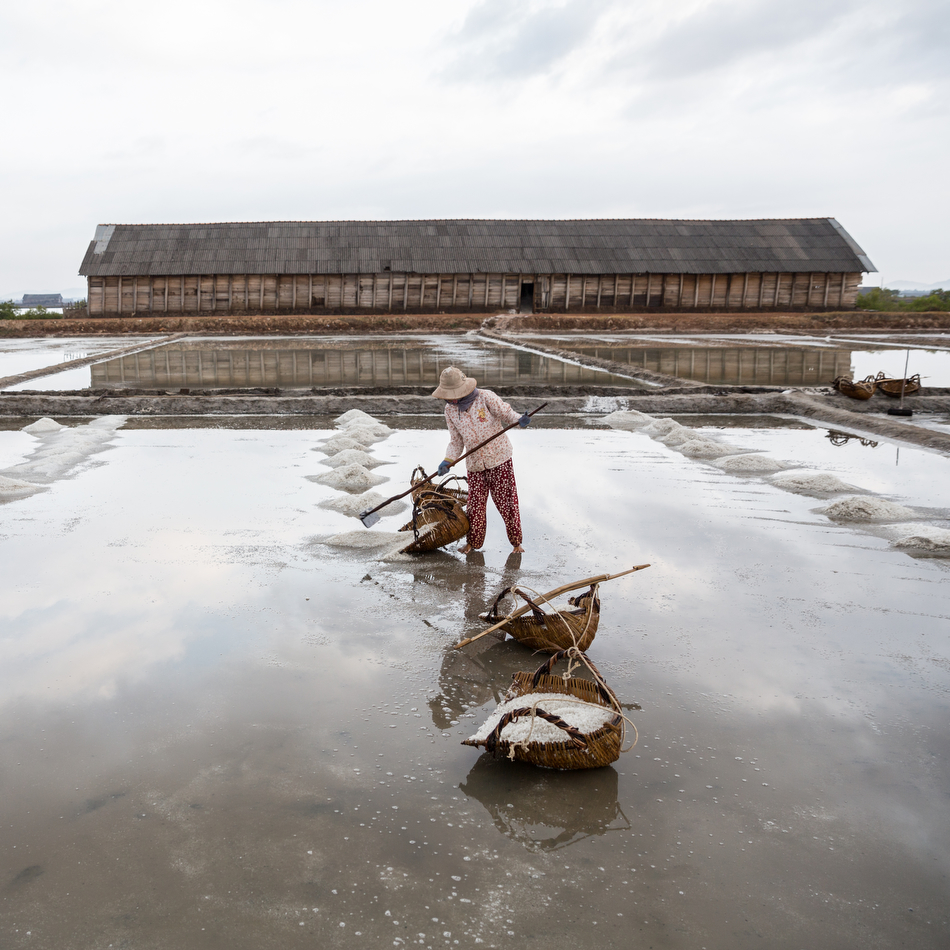 March 03, 2015 - Kampot, Cambodia. Salt fields. © Nicolas Axelrod / Ruom
