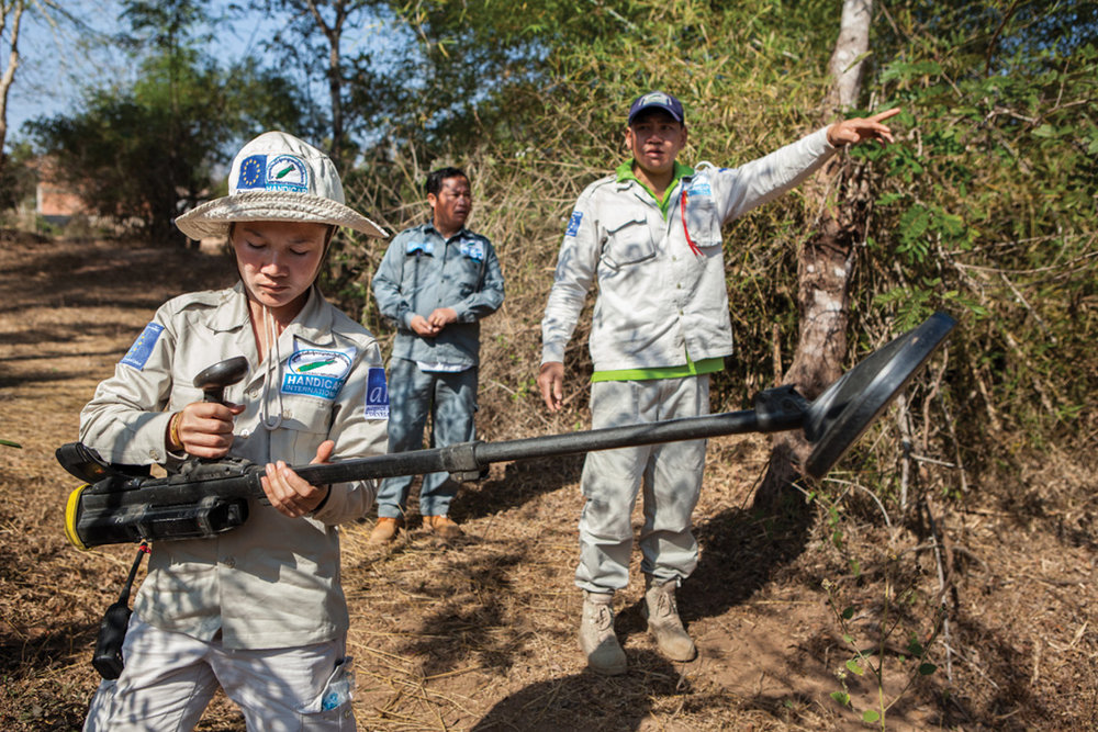 Jan. 13, 2013 - Boum Honkan, Savannakhet province, Laos. Lam Ngeung (30) deminer with Roving Team. � Nicolas Axelrod for HI
