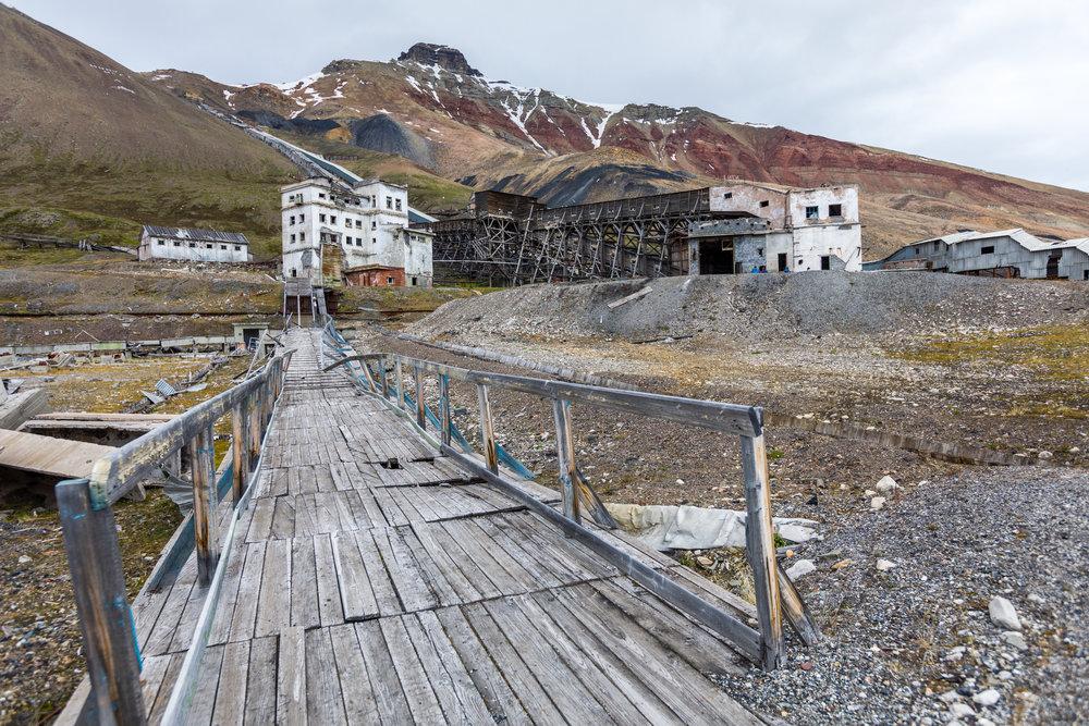 Spookstad Pyramiden in Spitsbergen: URBEX foto - 28 juni - 03 juli : VOLZET
