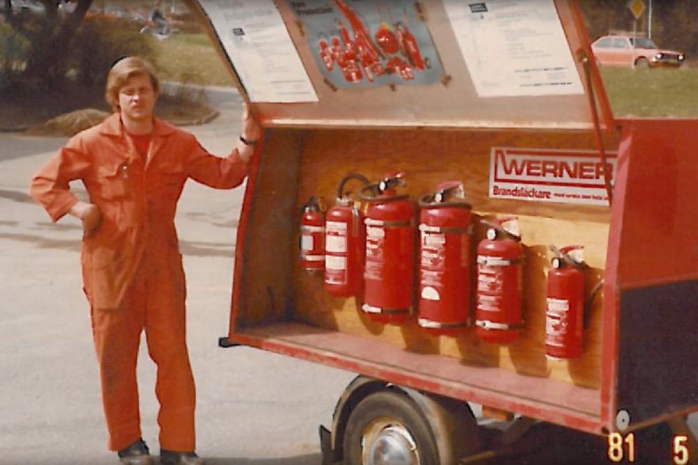 49 år av brandskyddsexpertis - Fullgott brandskydd, service & säkerhet av kunniga servicetekniker sedan 1969.