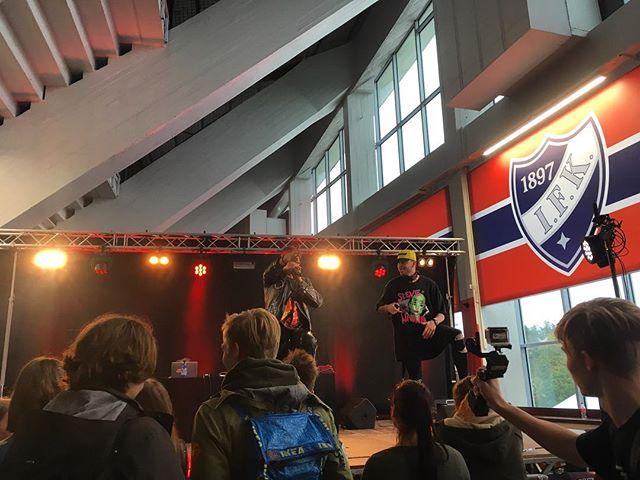 Höntsä-Festin lavalla nyt @yonasdilemma 🔥 #oohöntsä