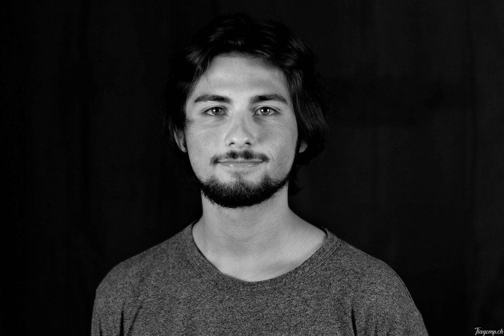 THIBAUD GUMY - Responsable postproduction   info@fri-clap.com