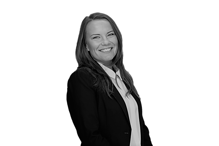 Izabela Szmaj - Accountant