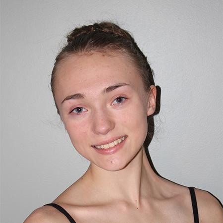KlaraWhalley Senior.jpg