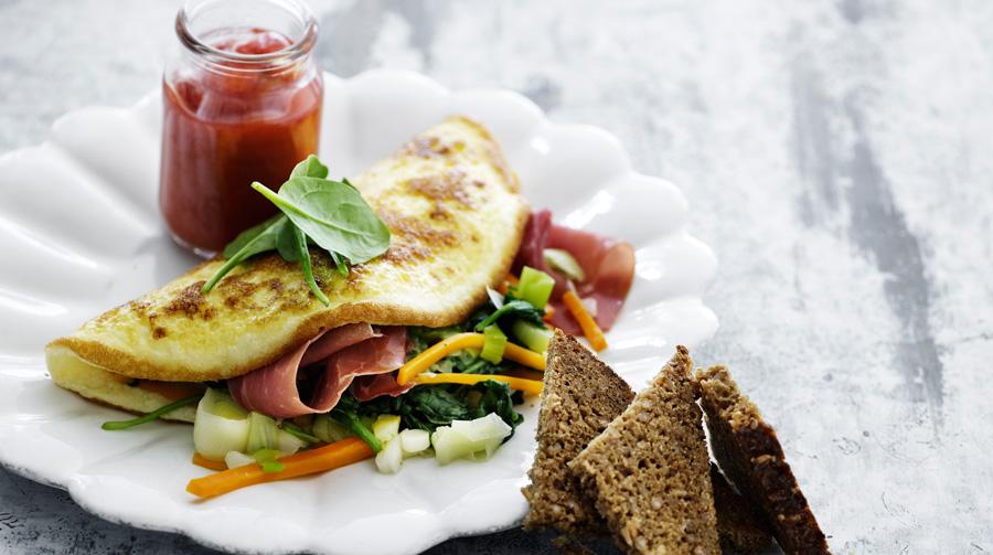 omelet-med-groentsager-og-toerret-skinke.jpg