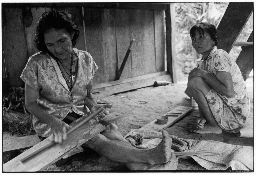 La Ceramica , Quichua, Canelos, Pastaza, Oriente Ecuador, Amazonia, 1999