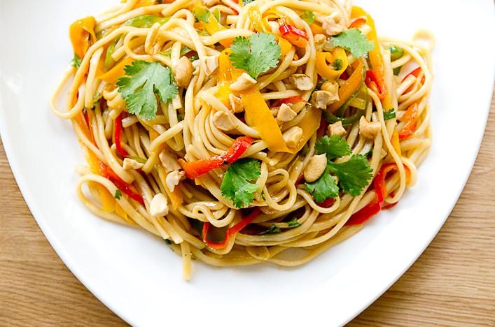 recette-pad-thai-colore-vegetarien-hello-godiche-1.jpg