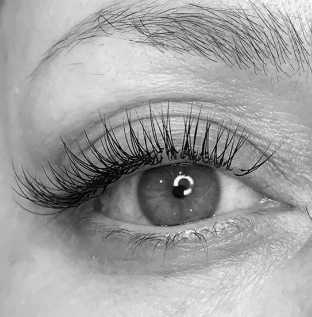 Don't want to commit to eyelash extensions? Try a lash lift! Application is safe and results last 8-12 weeks!  #lashlift #lashes #milfordlashes #milford #ciaobellabeautybar #ciaobelladayspa