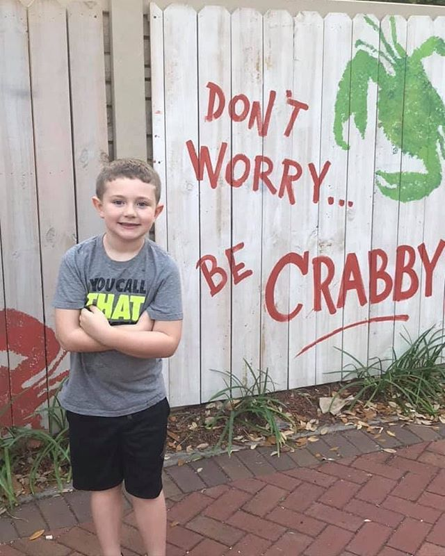 Even the kids can be get Crabby here! 🦀 Purchase an adult entree and Tuesday and your kid eats free! 📷: Cindy Cody Clements • • • #crabbybillsoth #crabbybills #westchase #pinellas #hillsborough #happyhour #livemusic #tampabay #seafood #dontworrybecrabby #offthehook #tampa #the33626 #supportlocal #eatlocal #drinklocal #whatshappeningwestchase #tampafoodie