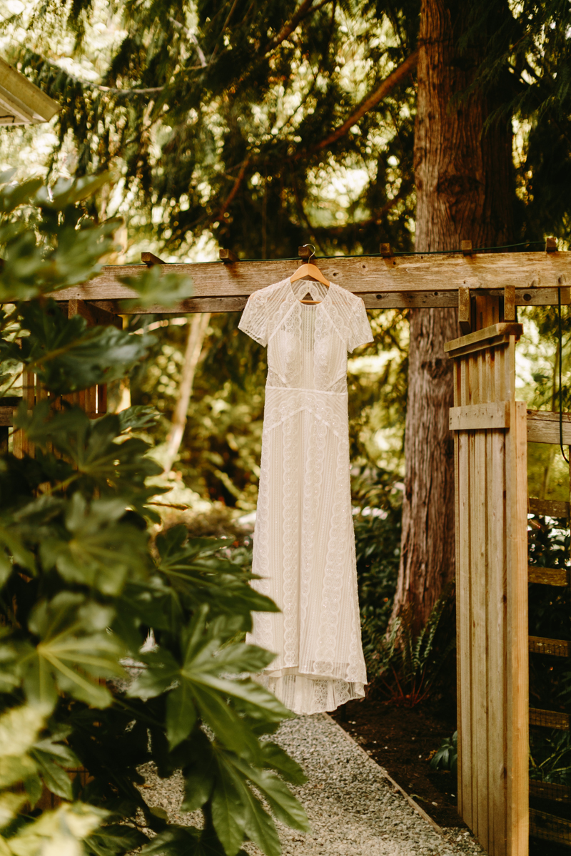 Bainbridge-Island-Backyard-Wedding (3).jpg