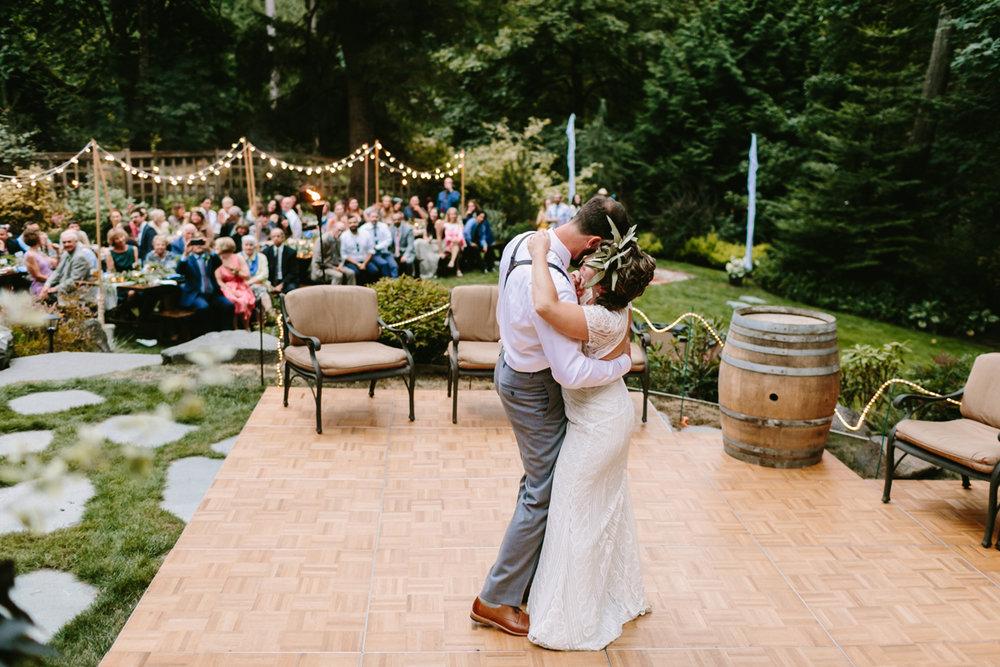 Bainbridge-Island-Backyard-Wedding (25).jpg