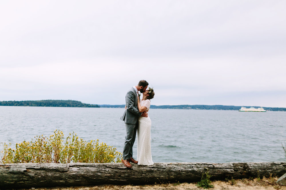 Bainbridge-Island-Backyard-Wedding (26).jpg