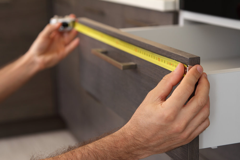 MONTERING - Trenger du hjelp med montering ditt kjøkken? Kontakt oss og våre spesialister vil gjøre det for deg