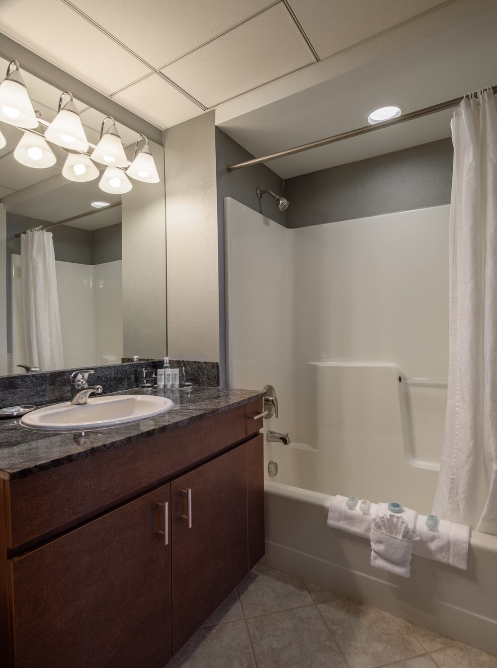 Hotel Apartment Bathroom