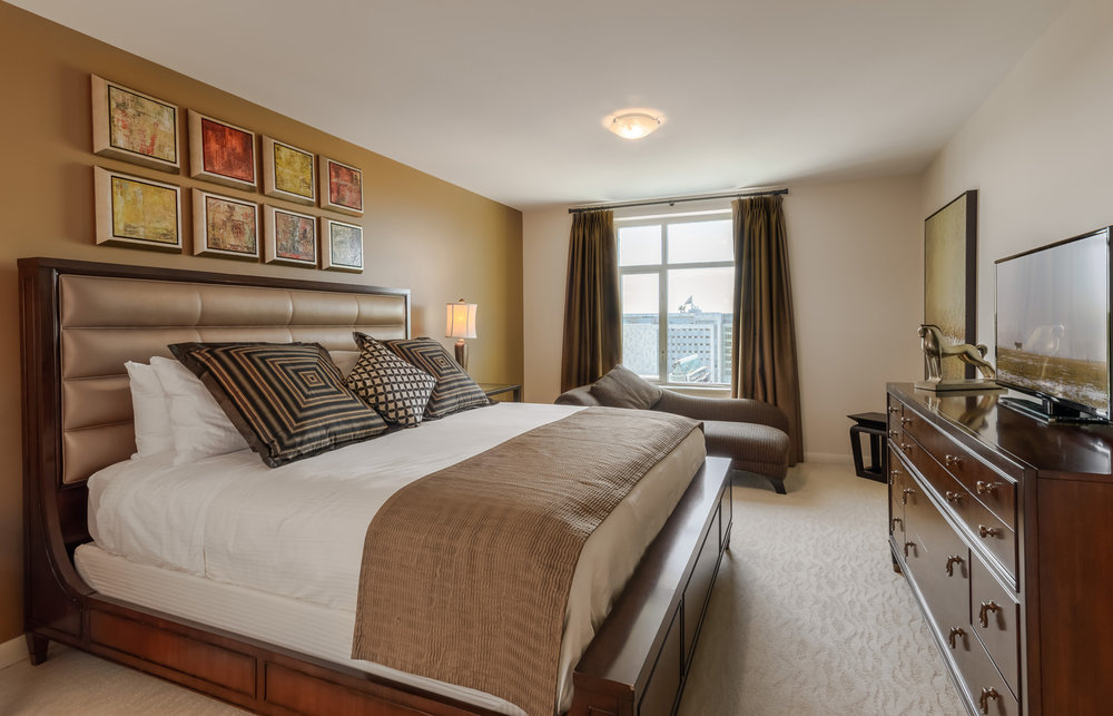 Apartment Hotel Master Bedroom