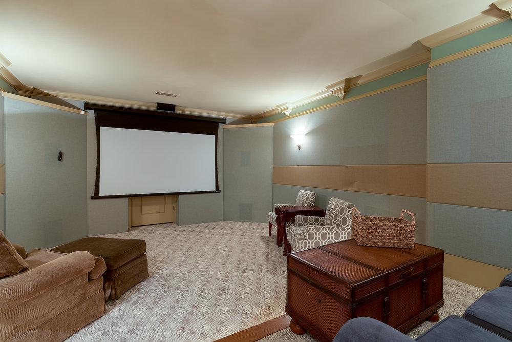 Theater-008.jpg