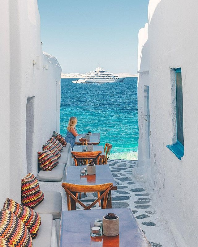 Mykonos is beautiful || 📸 : @whereisdaniil