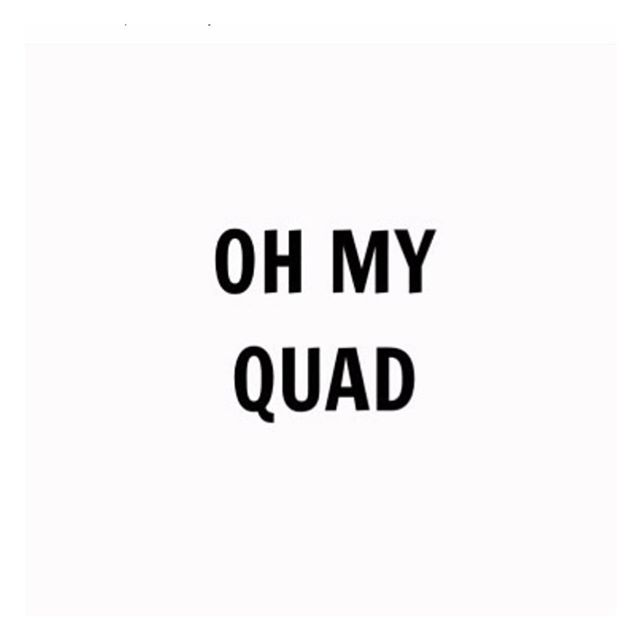 Who else is looking forward to the #Monday evening workout? We are . . . 🦵 Wishing you all a F A B week 💕#mondaymotivation #ohmyquad