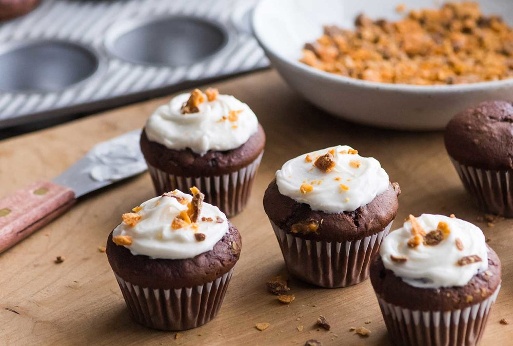 Recipes_Butterfinger_Mini_Cupcakes.jpg