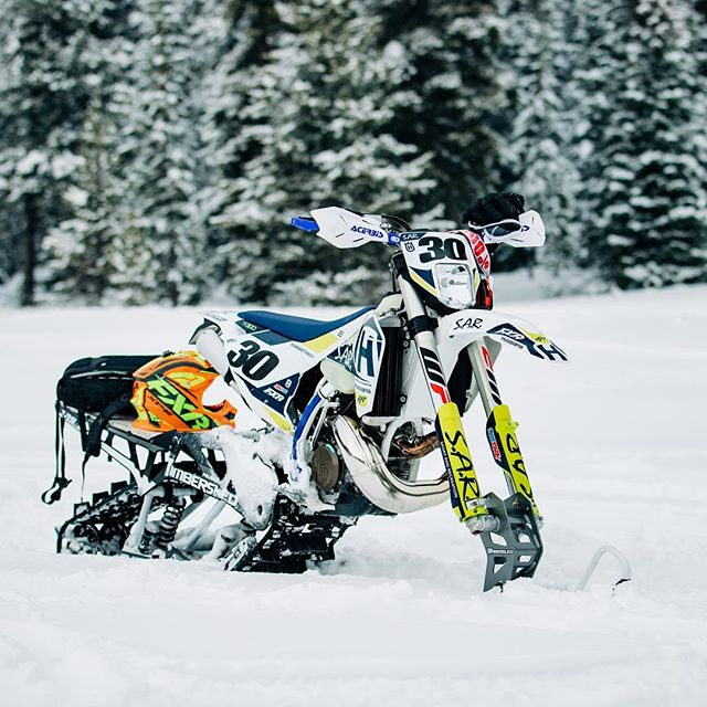 Dirtbikes and camera gear. Wether it's on dirt or snow these are the two biggest passions that have run my life ❤️