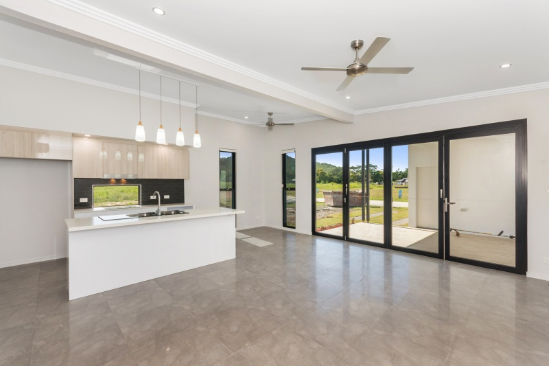 Lot 43 Maggie - Open Plan Living 1.jpg