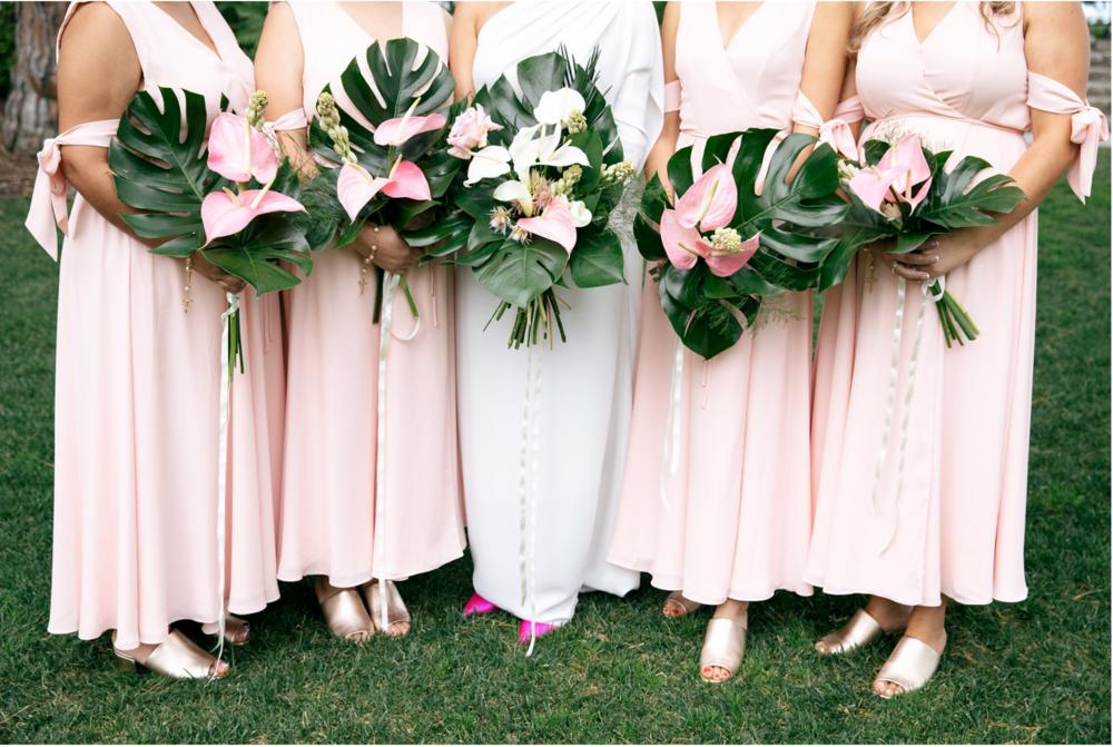 Adriana & her bridesmaids- Photo: Jenn Emerling