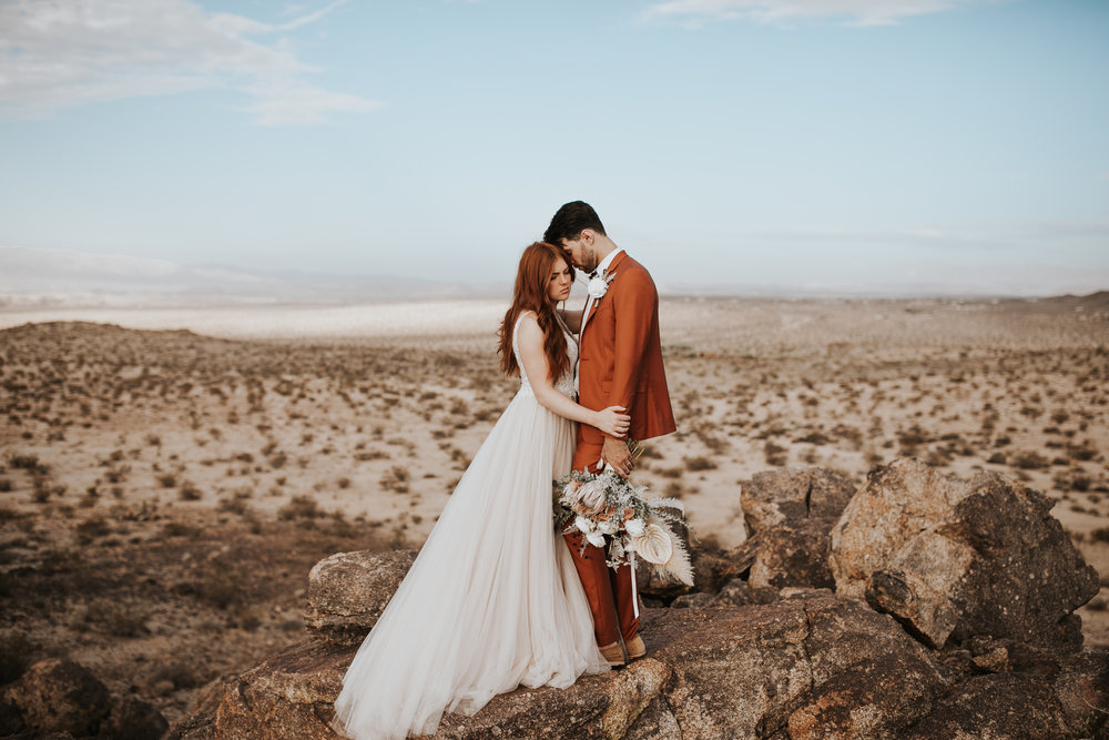Emilie and Lucas at The Joshua Tree-  Photo by Wild Heart Visuals (Nicole Little)